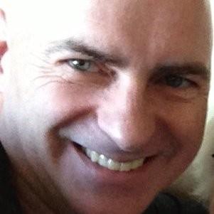 Steve Lewis, dattabot